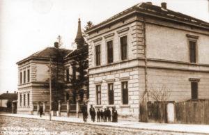 Gimnazija u Petrovcu na Mlavi